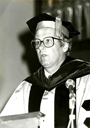Malcolm Kerr speaking at AUB commencement